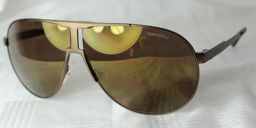 c56d9df39a753c Bestel vandaag nog op Watch2day één van deze stoere Carerra zonnebrillen en  ga de zomer nog stijlvoller tegemoet!